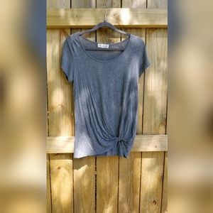 Front knot grey shirt